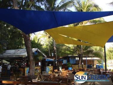 Voile d'ombrage pour bar-restaurant en bord de plage Réunion