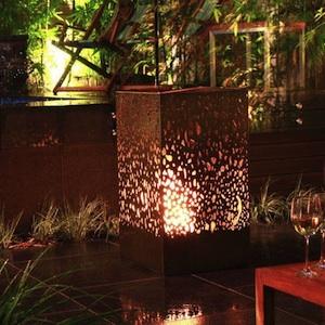 La cheminée lanterne pour jardin